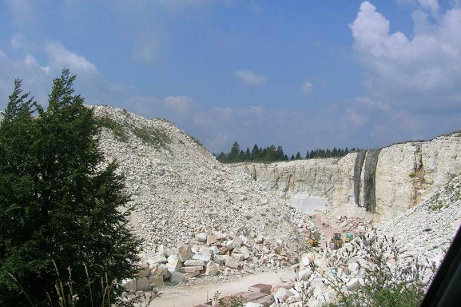 Cave, una nuova legge dopo trentasei anni. Obiettivo principale: tutelare il territorio riducendo il consumo di suolo