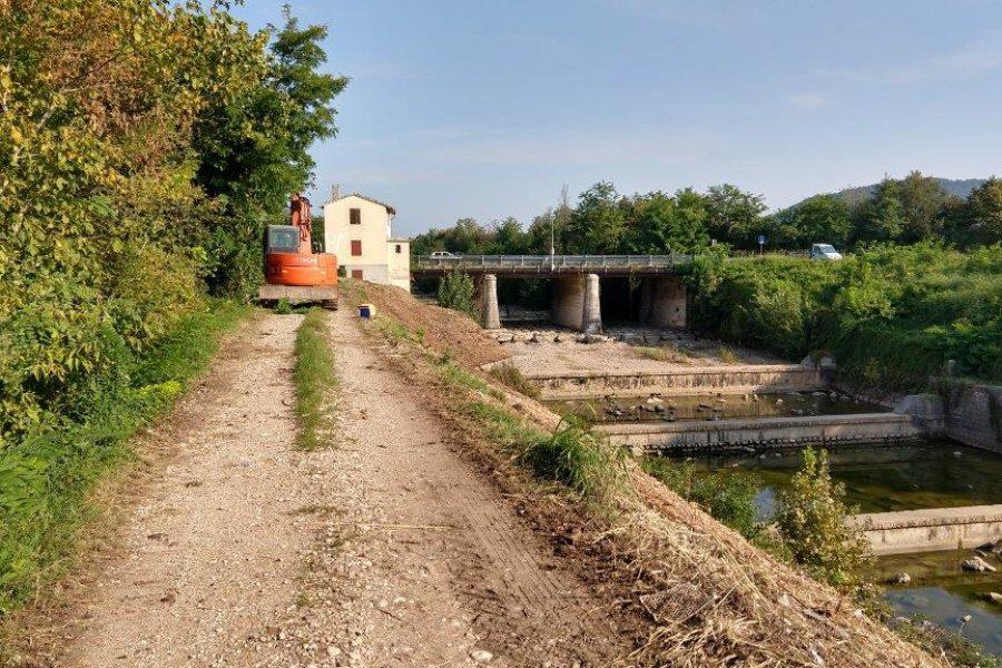 In corso i lavori di consolidamento e realizzazione di nuove difese idrauliche sul fiume Guà.