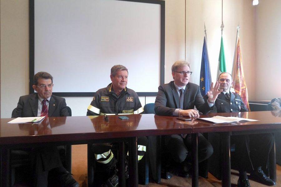 """Traffico rifiuti. Bottacin: """"costante task force con le forze deputate a seguire la materia. In Veneto il 9% degli incendi del Nord Italia"""""""