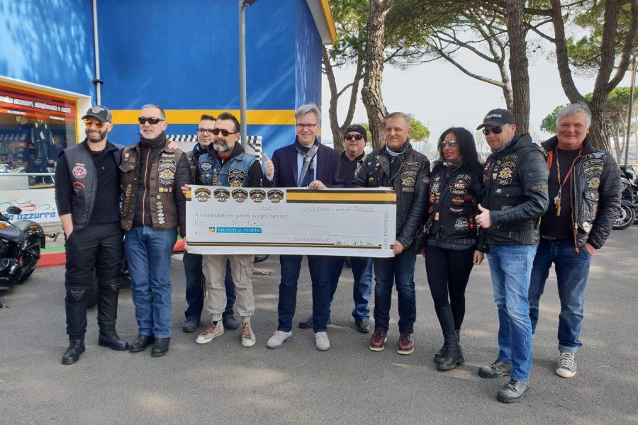 """Sopralluogo di Bottacin alle spiagge di Jesolo: """"Milioni di euro di investimenti per una perfetta stagione estiva"""""""