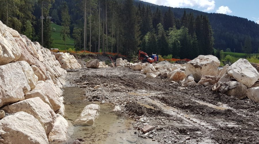 Importanti lavori sul torrente Padola, in località Moiè a Comelico Superiore