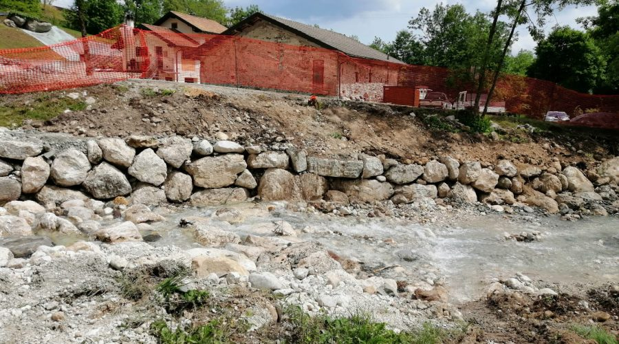 I lavori sul torrente Veses a San Gregorio nelle Alpi