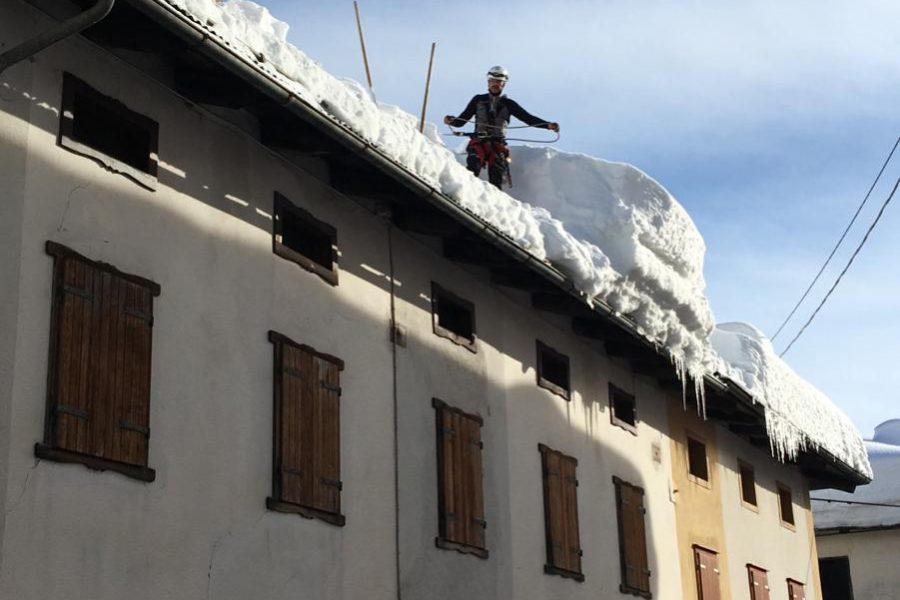 """Precipitazioni nevose nel Bellunese.  Bottacin: """"continua il lavoro. Ora importante trovare anche le coperture finanziarie per gli enti locali"""""""