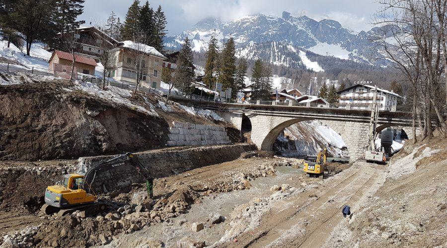 """Ripresi i lavori sul Boite a Cortina d'Ampezzo. Bottacin: """"opere in grado di contenere la piena centenaria"""""""