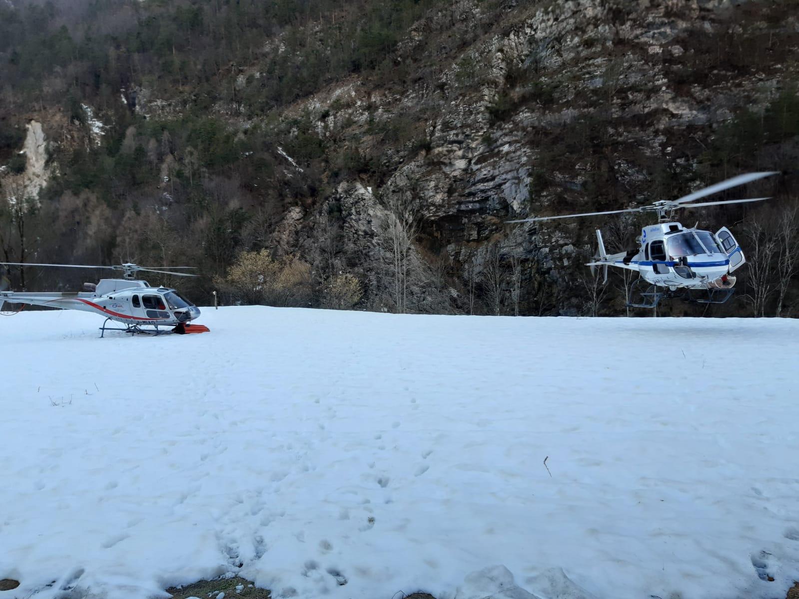 """Aggiornamento incendio in Val Di Zoldo (BL). Bottacin: """"50 lanci dagli elicotteri e squadre al lavoro anche a terra"""""""