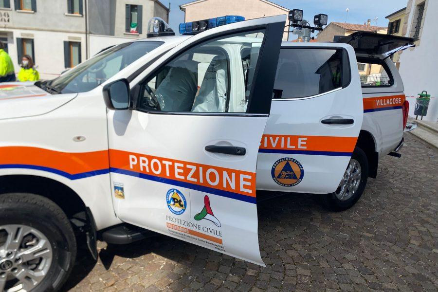 Consegna di attestati e mezzo attrezzato alla Protezione Civile di Villadose