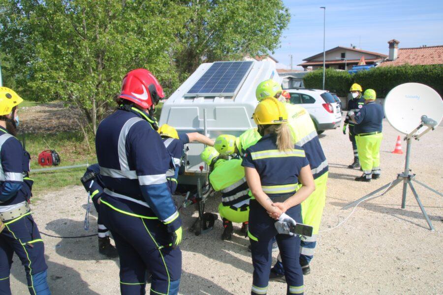 Simulazione di collegamenti satellitari sul Piave con i volontari veneti della F.I.R. – S.E.R